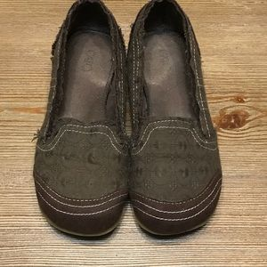 Brown Cato Flats